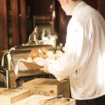SEZONSKI POSAO U INOSTRANSTVU – Sezonski posao konobar inostranstvo- lokacija na moru – poslodavac obezbeđuje smeštaj i dva obroka